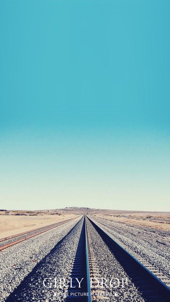 おしゃれなフリーのスマホ壁紙(待受け):【おしゃれなiPhone壁紙】抜けるような青空とどこまでも続く線路