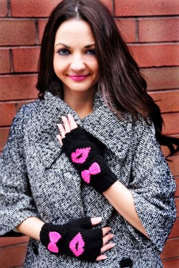 be my valentine fingerless gloves knitting pattern kiss me 1