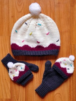 sweeter than a cupcake knitted hat and mittens cupcake knitting pattern girls 1