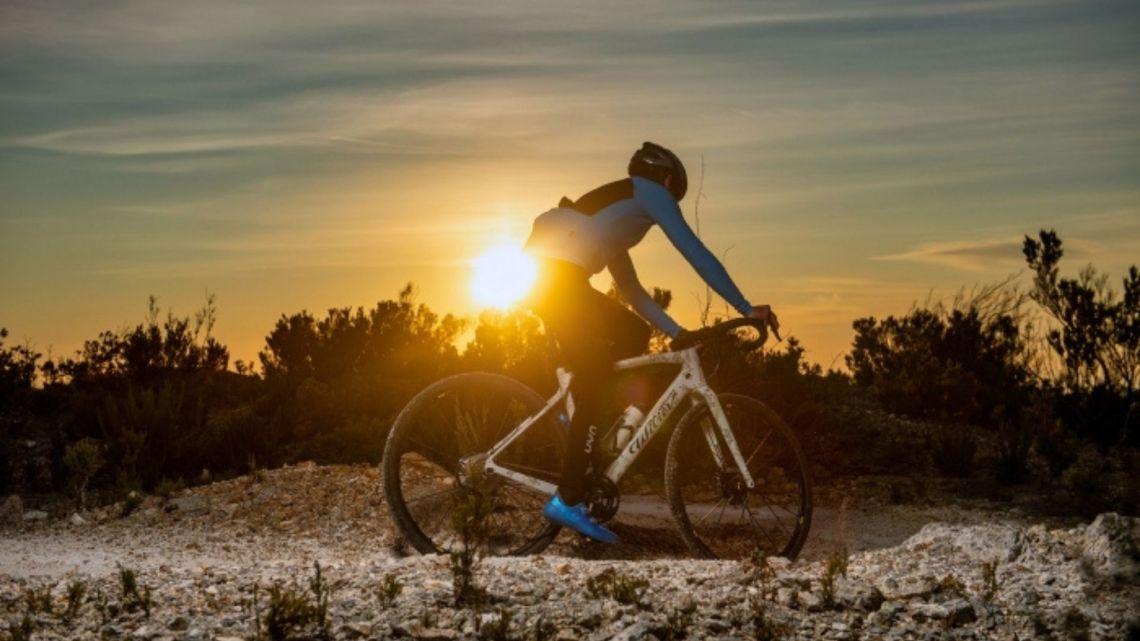 Una bicicletta grande come l'Everest. Intervista a Omar Di Felice