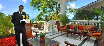 bahiadr-private-island-welcome-terrace-drink