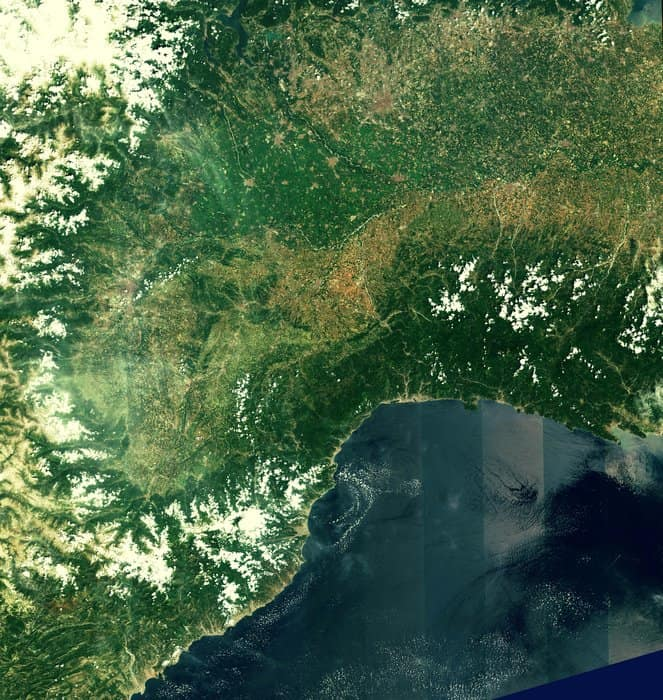 Acquired on 27 June 2015 at 10:25 UTC (12:25 CEST), just four days after launch, this first image from Sentinel-2A covers the Po Valley, framed by the Alps in the north and the coastal mountains of France and Italy in the south.
