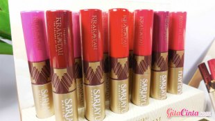 Sariayu Duo Lip Color - (Sumber: www.rainbowdorable.com)