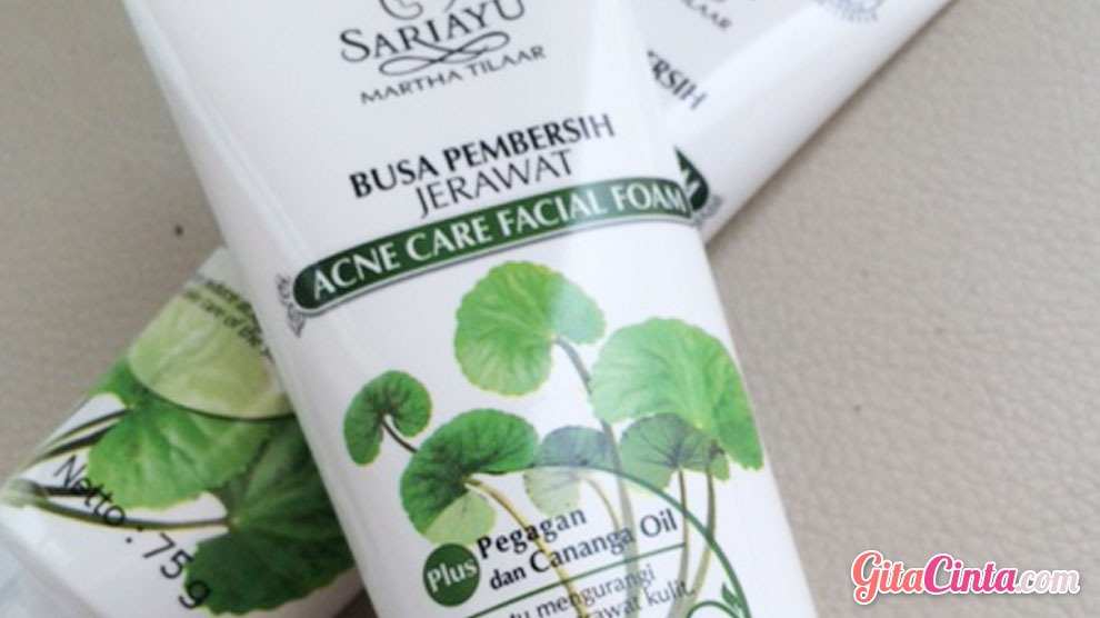 Sariayu Facial Foam Acne - (Sumber: yukcoba.in)