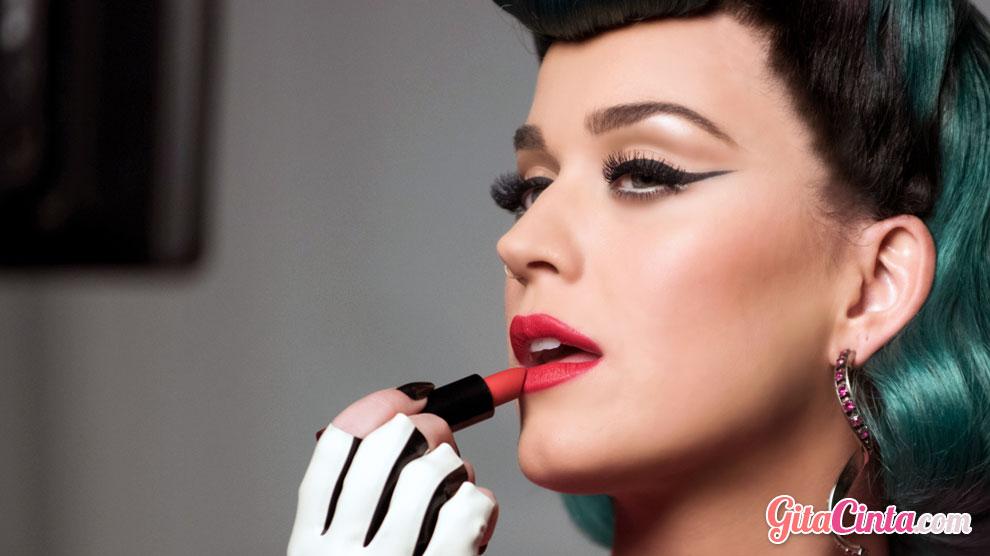 Produk Lipstik Dari Brand Sariayu Yang Tahan Lama