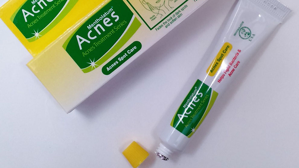 Acnes Spot Care (sumber: shopee.co.id)