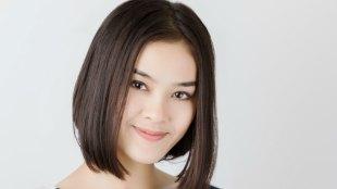Model Rambut Lurus Sebahu - www.zobivi.com