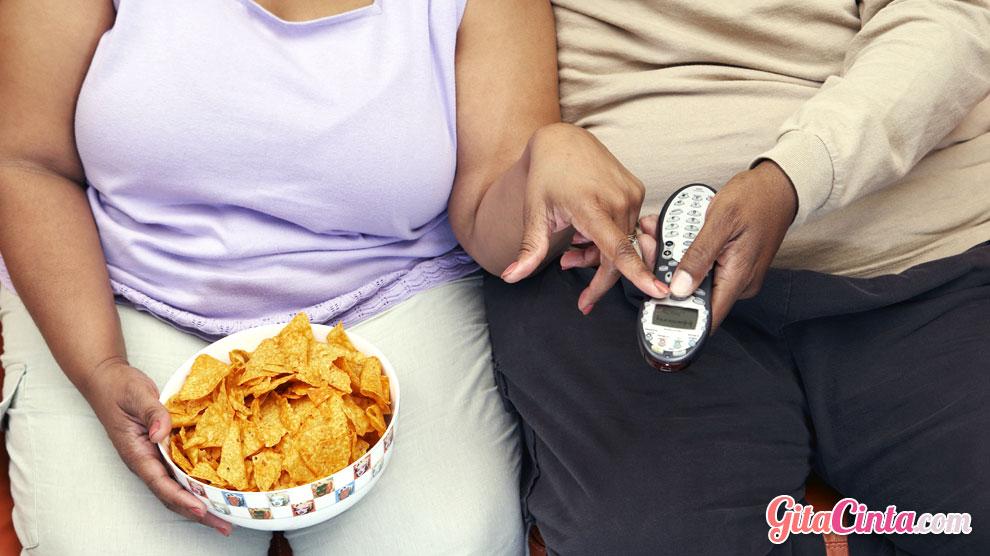 Kebiasaan 'Couch Potato' Sejak Dini, Bagaimana Cara Mengatasinya?