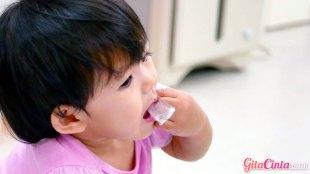 Ilustrasi: anak menelan benda asing (sumber: today.com)