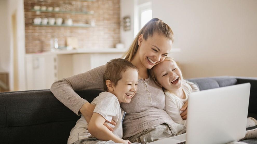 Vlogger, pekerjaan freelance online untuk ibu-ibu