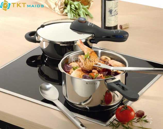Hình ảnh: nồi áp suất truyền thống có thể sử dụng nấu trên bếp từ