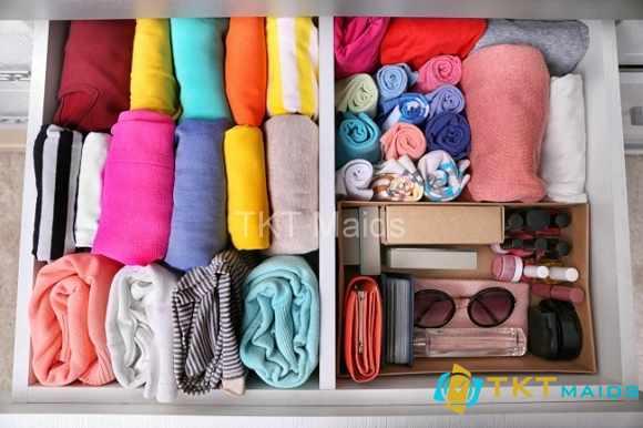 Hình ảnh minh họa: cách sắp xếp tủ quần áo thường xuyên mặc