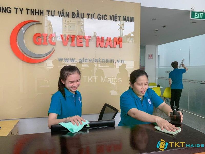 Nhân viên vệ sinh theo giờ của TKT Maids