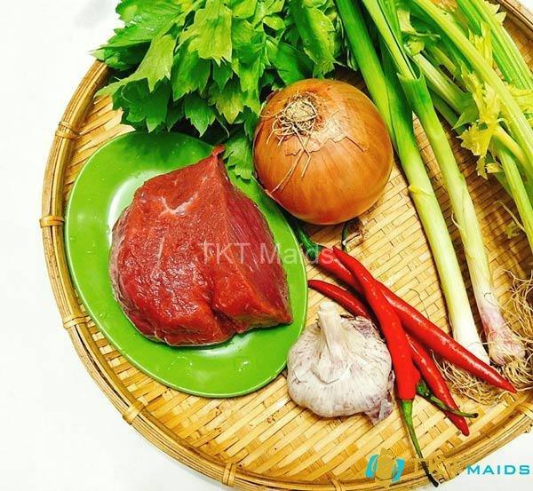 Nguyên liệu cần thiết cho món bò xào hành tây