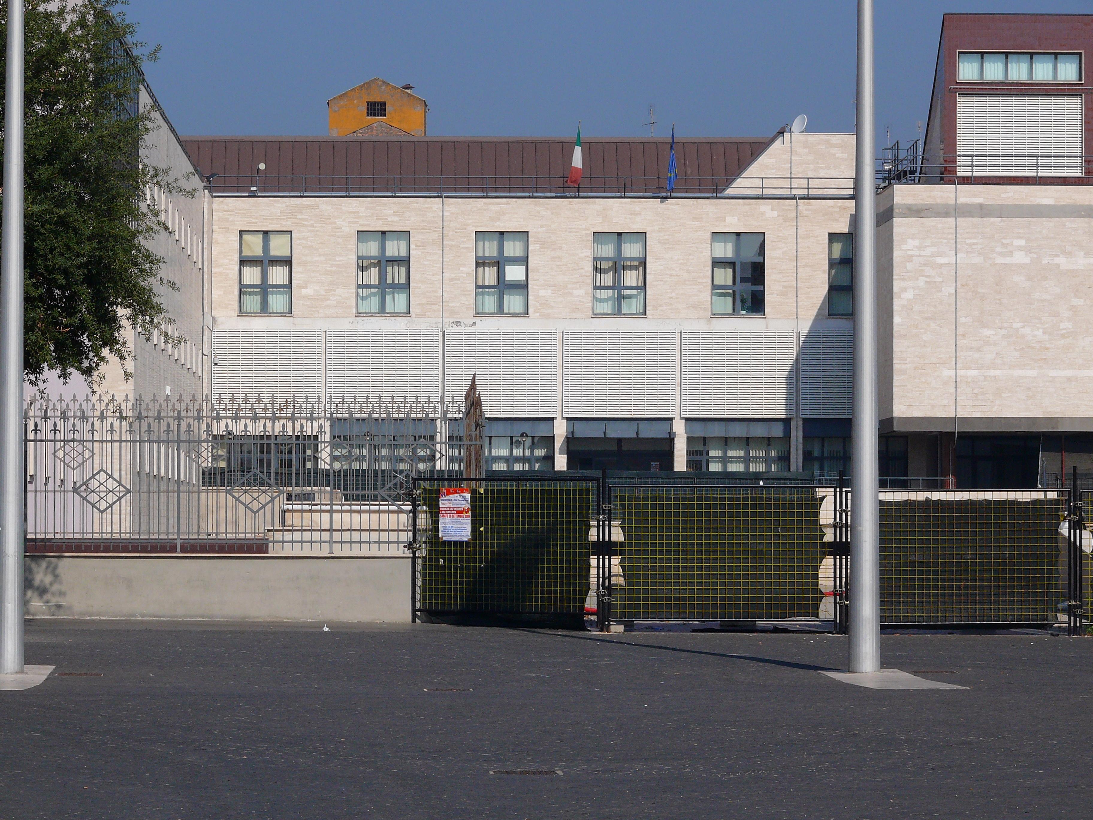Cisterna di Latina: Palazzo dei siervizi