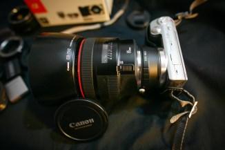 Grazie all'adapter per Canon è possibile montare ottiche EF ed EF-S. (Naturalmente l'85 non è compreso nel prezzo :P)
