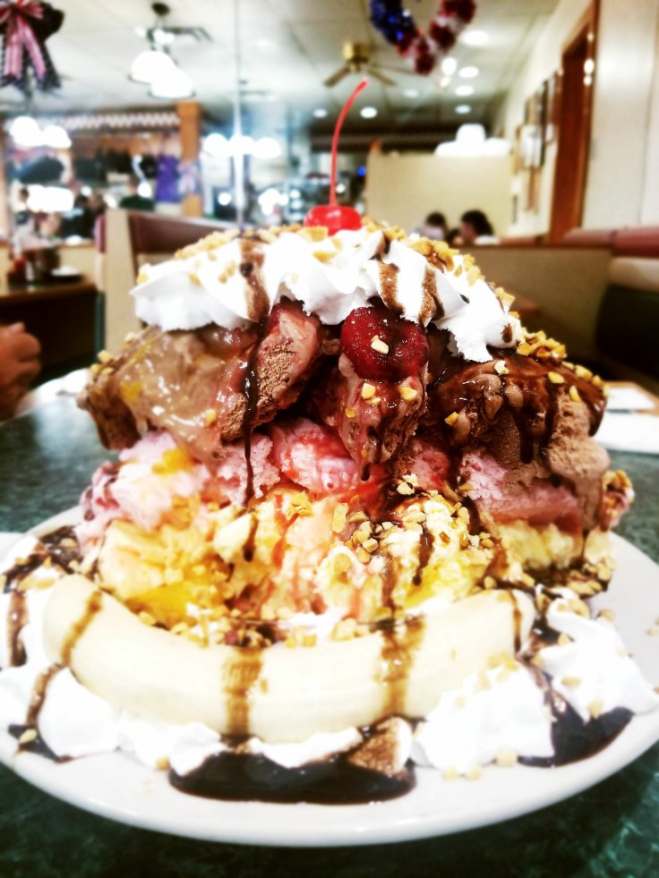 The ENORMOUS banana split at Tony's I-75 Banana for $10 you can feed the whole table dessert! Tony's I-75 restaurant review by Give It A Whirl Girl