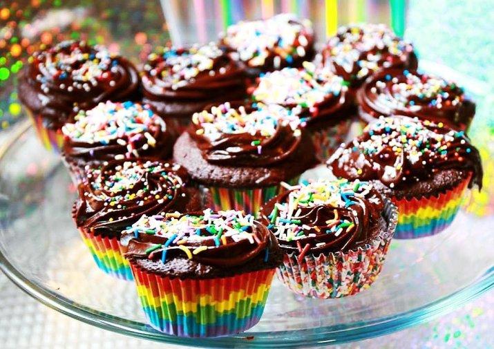 Paleo Dark Chocolate Fudge Cupcakes