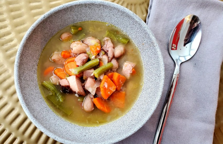 Smoked Ham & Cranberry Bean Soup