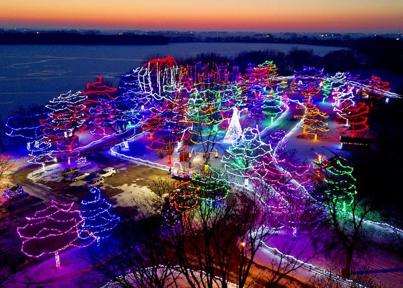 Best Christmas Light Displays Near Me Mn 2020 2019 Minnesota Holiday Lights Display Guide » Give Me The Mike