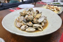 """Clams in Black Bean Sauce (1.0): My mother had purchased live clams on sale - """"Mom, clams are the one thing you should never buy on sale!"""" - which predictably turned out a bit funky."""