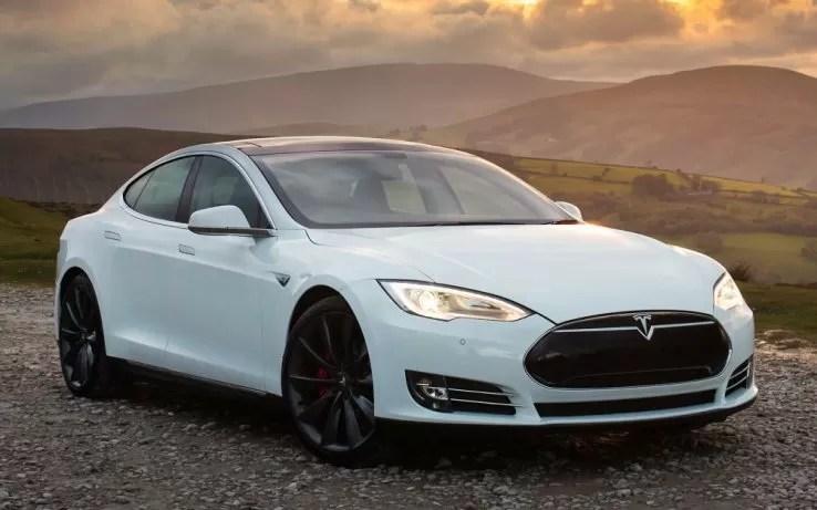Tesla model S guida automatica