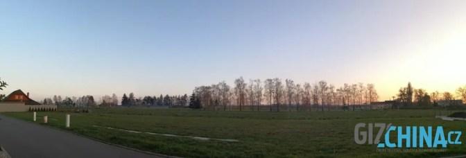 Panorama lze fotit pomocí přednastaveného režimu