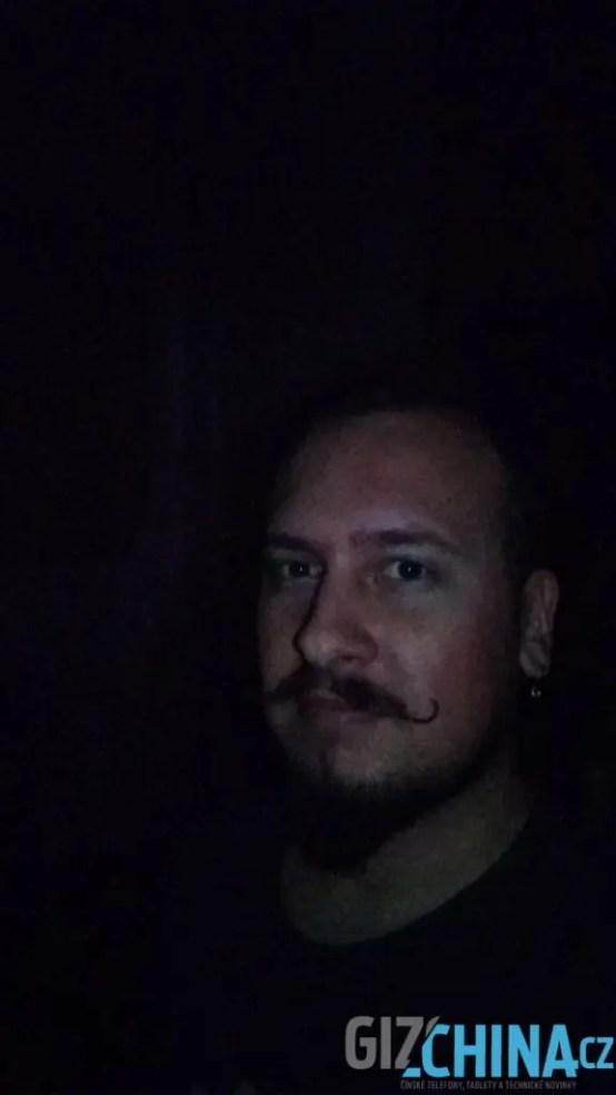 Já ve tmě s bleskem
