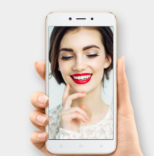 OPPO-A71-selfie