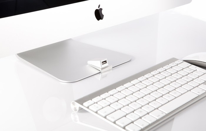 iMacompanion Brings A USB Port Access To Front Of Your iMac