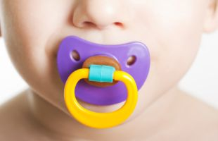 Dot Bisa Ganggu Perkembangan Emosional Bayi Laki-laki