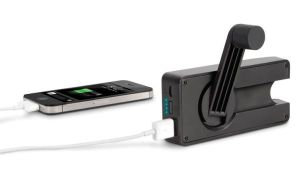 eton-boostturbine-2000-hand-crank-rechargeable-emergency-cell-phone-charger-xl