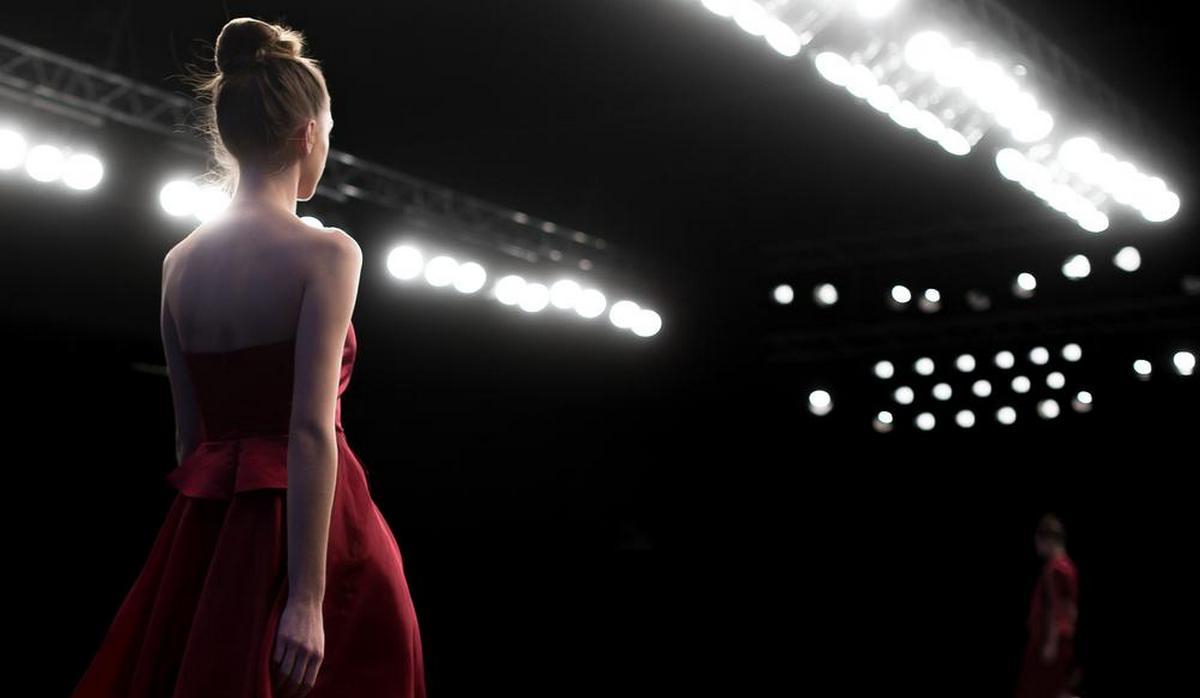 lighting fashion runway with leds