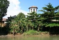 Philippinen: nichts bleibt für die Ewigkeit - Glockenturm in Loboc, Bohol