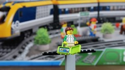LEGO Train 60197 review - suitcase