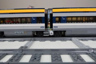 Modified LEGO City Passenger Train 60197 with Jacobs Bogie