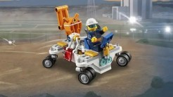 LEGO-City-Space-Summer-2019-60228-Space-Research-Rocket-Control-Center-6