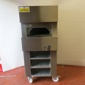 Clay Oven Pizza Oven - G J Wisdom Auction