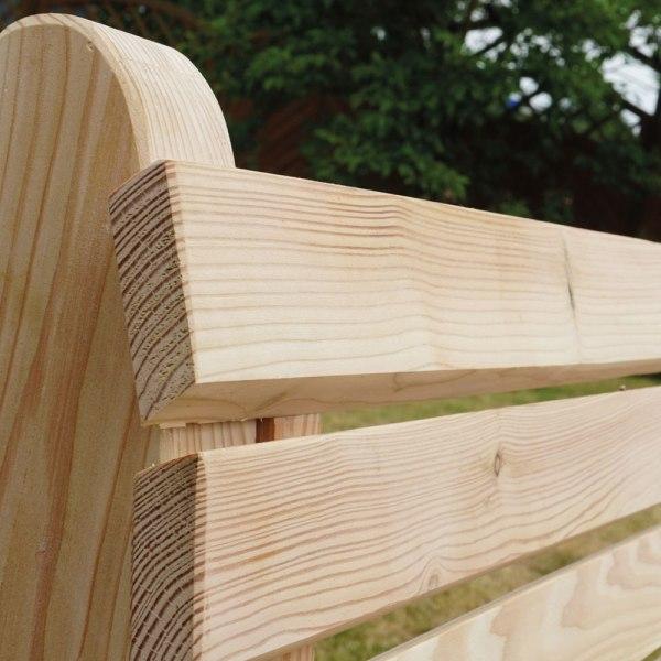 Sitzgruppe-Rhombus-Lärchenholz-Bank-Detail