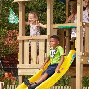 Spielturm-Barn-3
