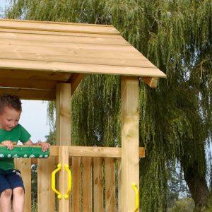 Spielturm Casa mit Holzdach Detail