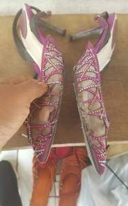 See The Nasty Shoes A Lady Won From Online Giveaway That Got People Talking (Photos) 4