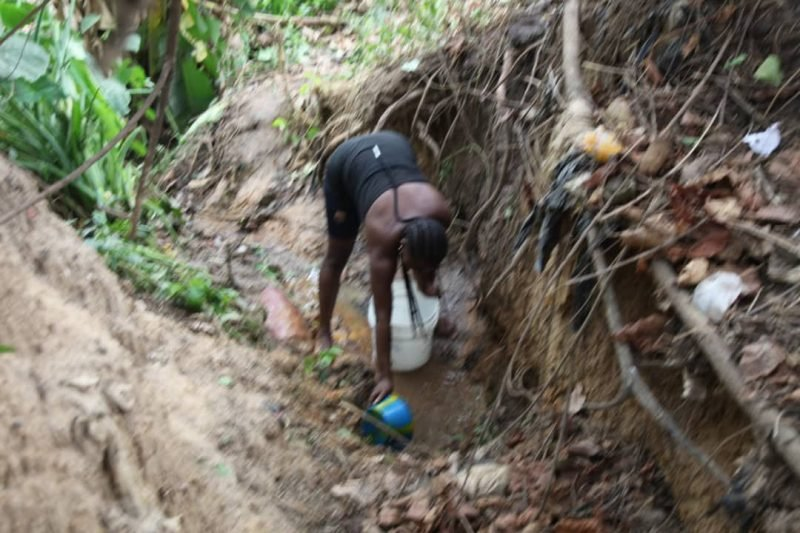 Abuja Residents Forced To Fetch Water From Streams Due To Water Scarcity (Photos) 5