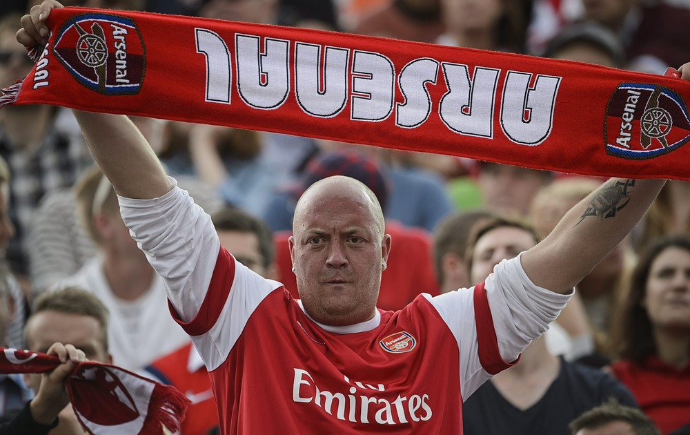 Arsenal Fans Aggressively Protest Against Club Owner In Front Of Emirate Stadium