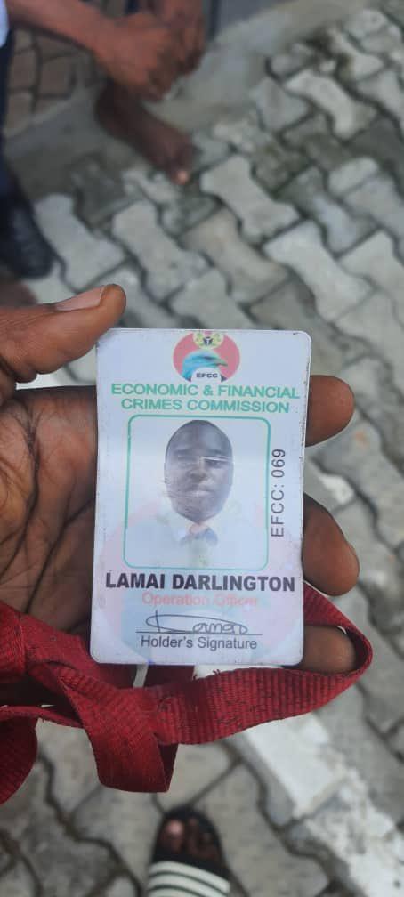 Fake EFCC Officials Caught In Lagos (Photos) 4