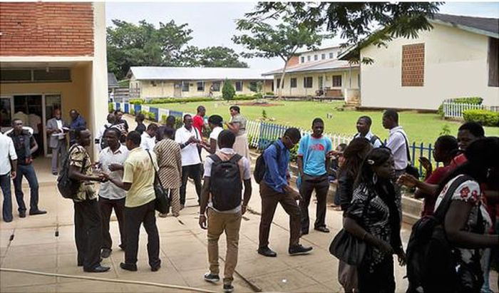 A Nigerian University Forces Students To Wear Uniforms