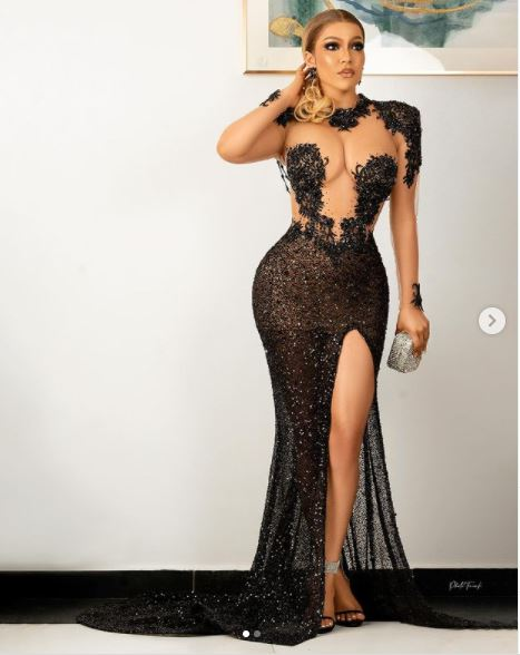 Maria Stuns In New Sultry Photos 2