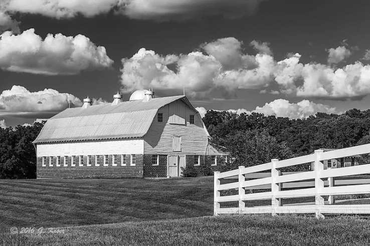 Dairy Barn in the Summer BW