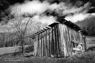 """""""Tattered Shed"""", Canon 5D Mk3, 16-35mm f/2.8L Mk2, Singh-Ray Color Combo Polarizer, Converted to B&W in Lightroom"""