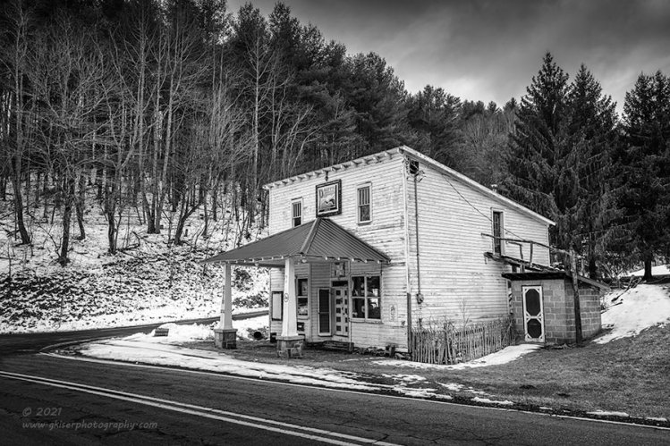 """""""Old Time Country Store"""", Canon 5DS R, 16-35mm f/2.8L Mk2, Singh-Ray Color Combo Polarizer, Galen Rowell 2-stop hard edge ND Grad, Converted to B&W in Lightroom"""
